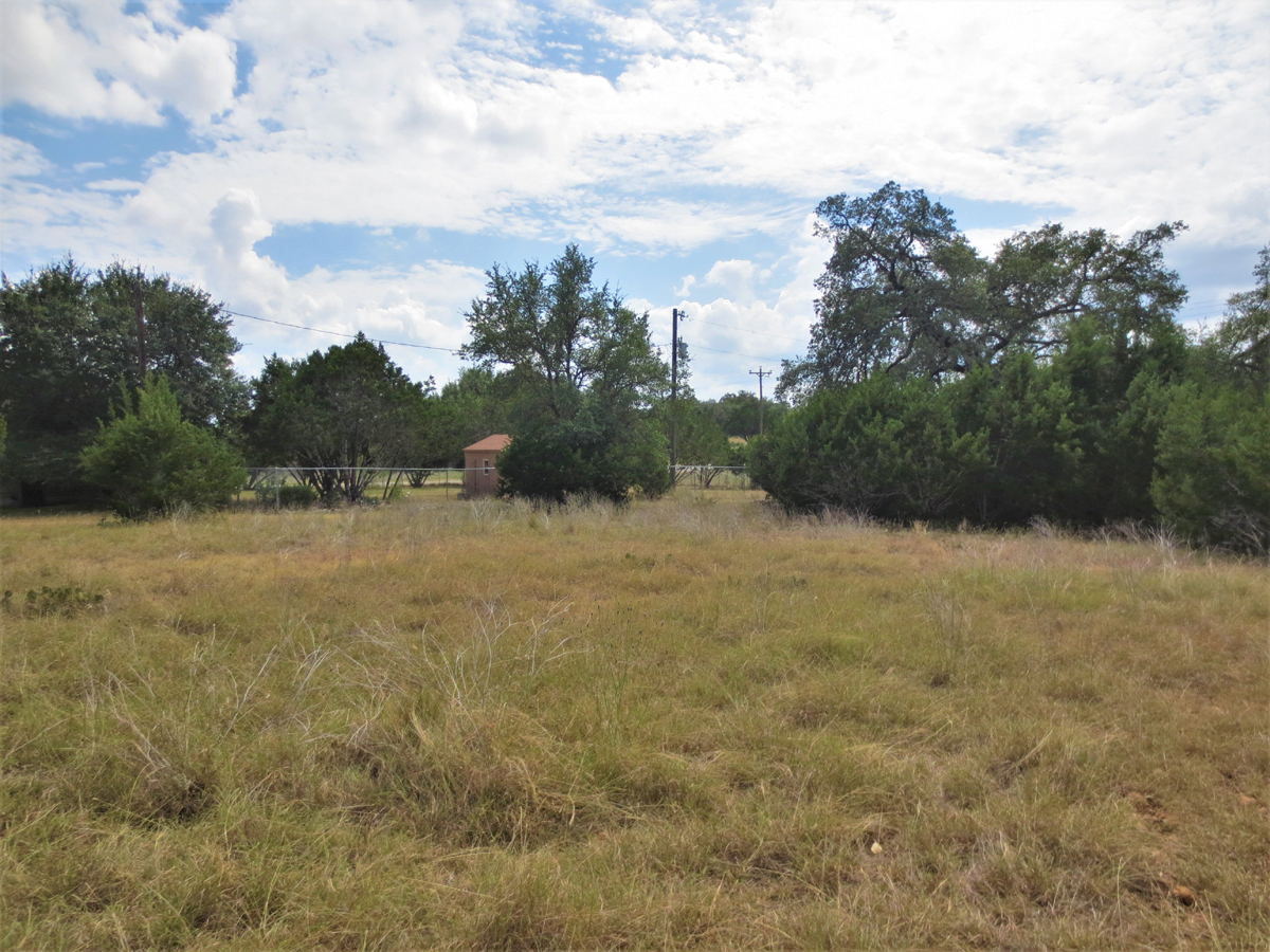 Room to spread out and grow on this building lot in Bandera River Ranch.