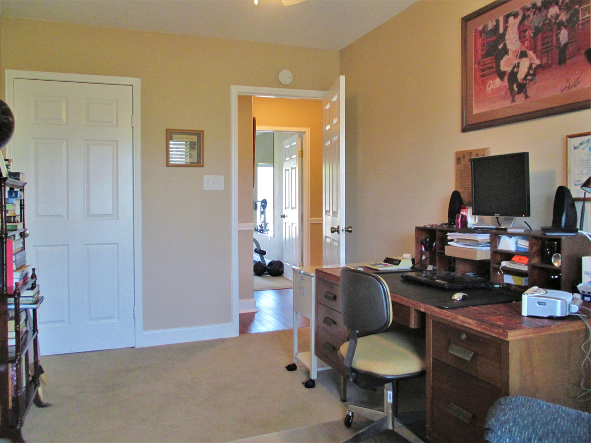Office at 503 Oak Bend.