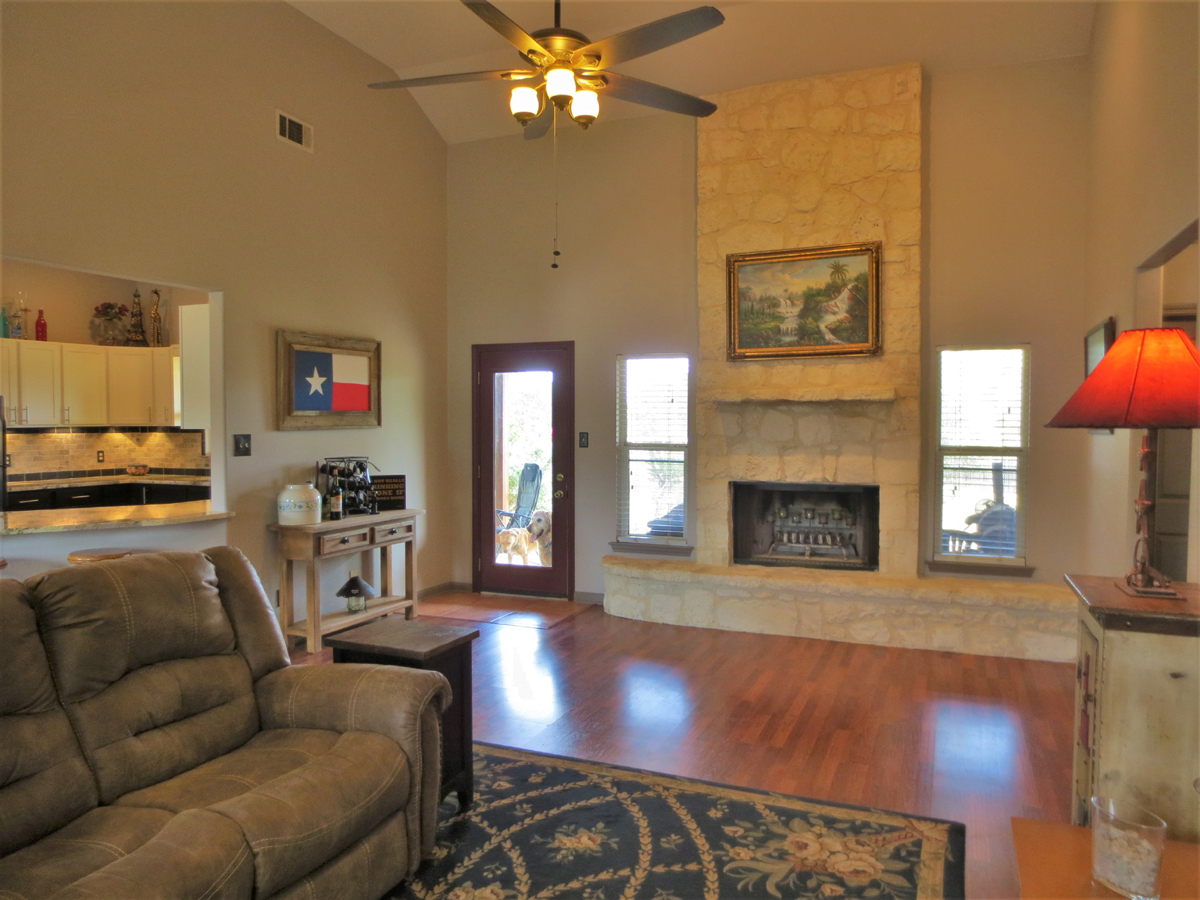 Living room and fireplace in Wagon Trail
