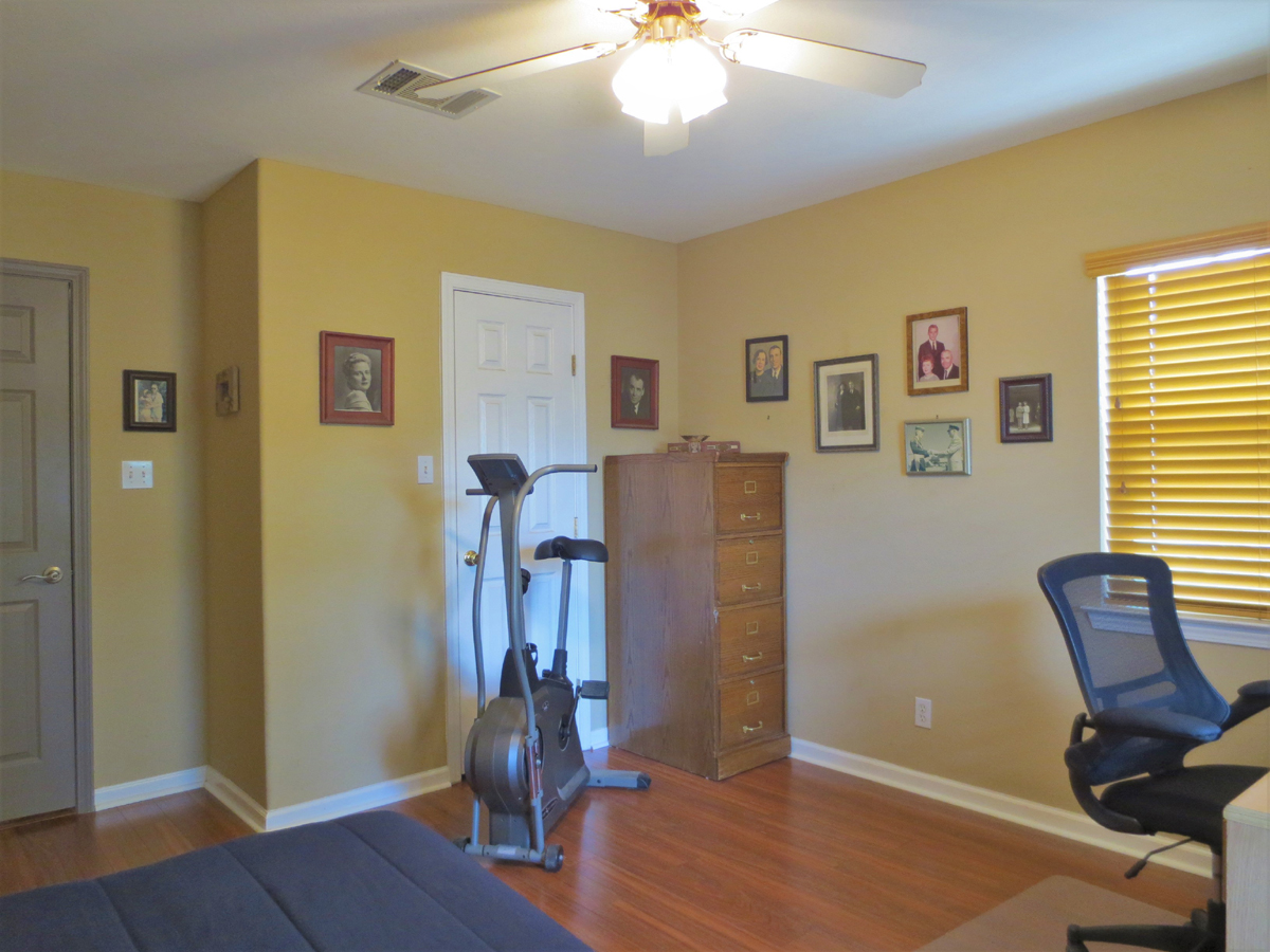 Exercise equipment in bedroom in Wagon Trail