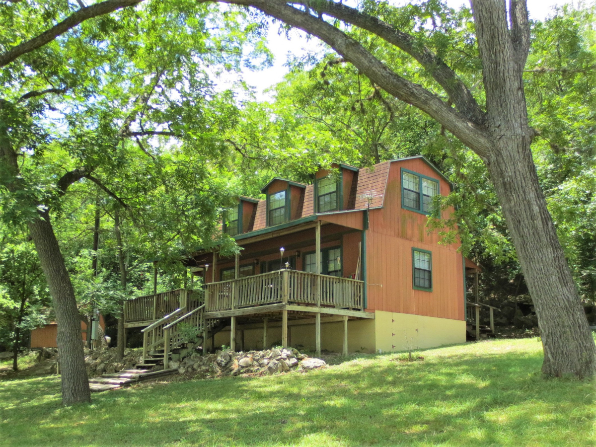Medina River Front Cabin / W0040  Listed for Sale with Gail Stone Realty  830-796-4640