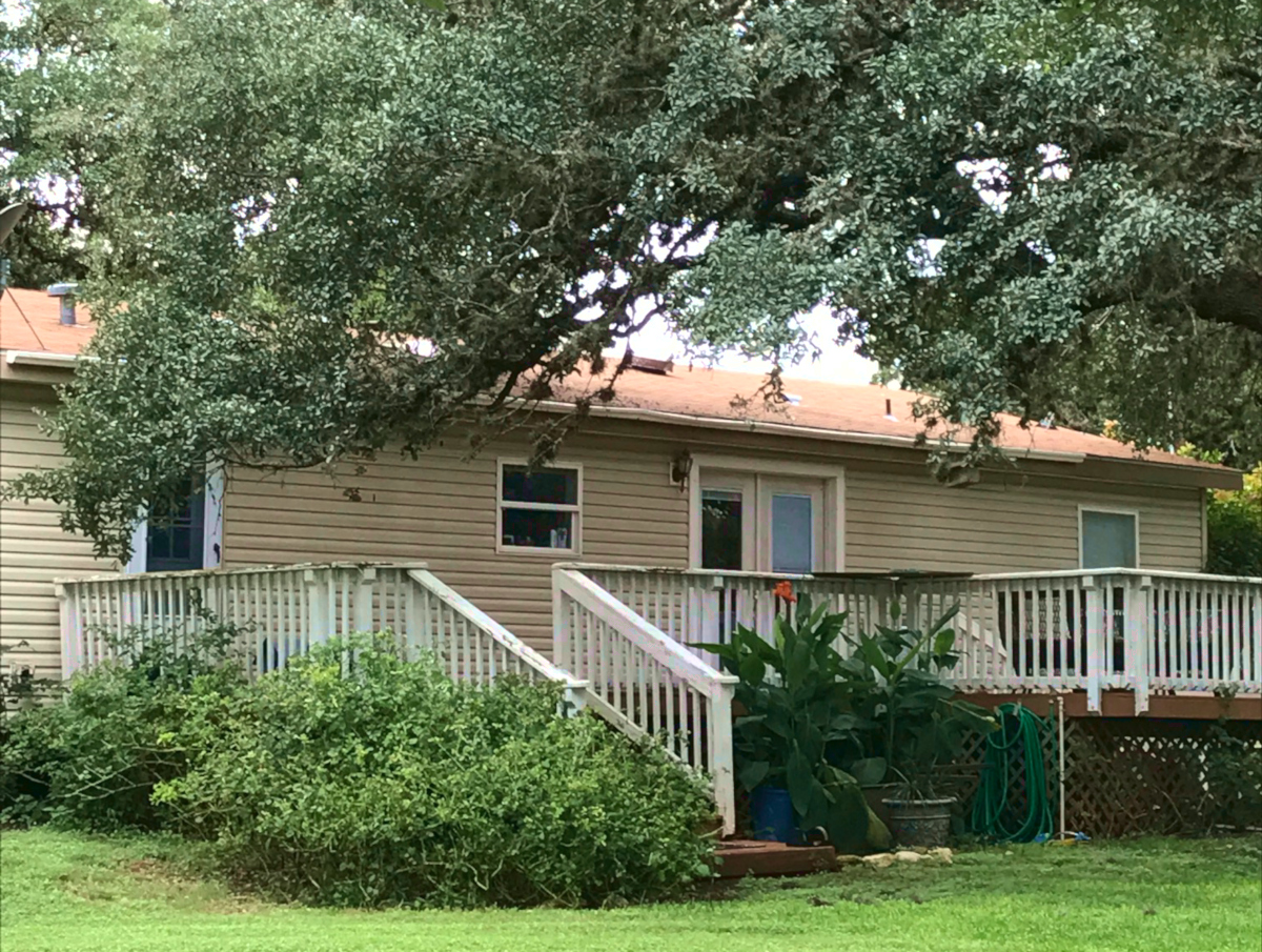 H0239 - 299 Roadrunner Lane. Listed for sale with Gail Stone Realty in Bandera, Texas. 830-796-4640