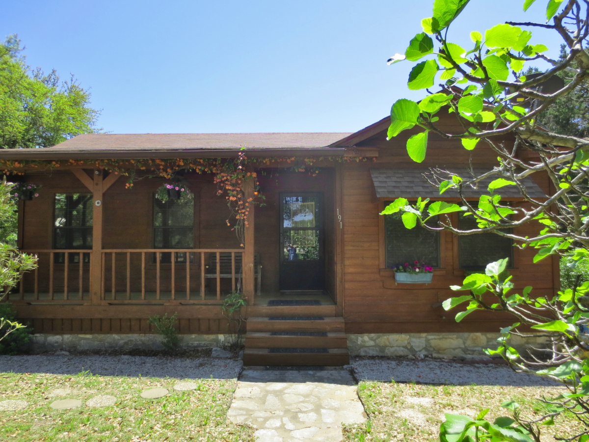 White Buffalo Trail - H0241 Listed for sale with Gail Stone Realty in Bandera, Texas. 830-796-4640
