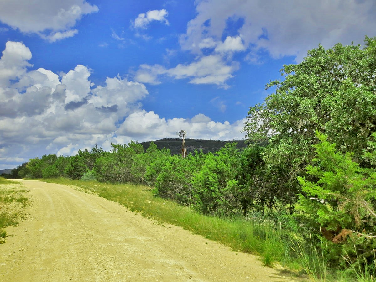 23 ACRES at VALLEY VISTA.  Listed by Gail Stone Realty 830-796-4640