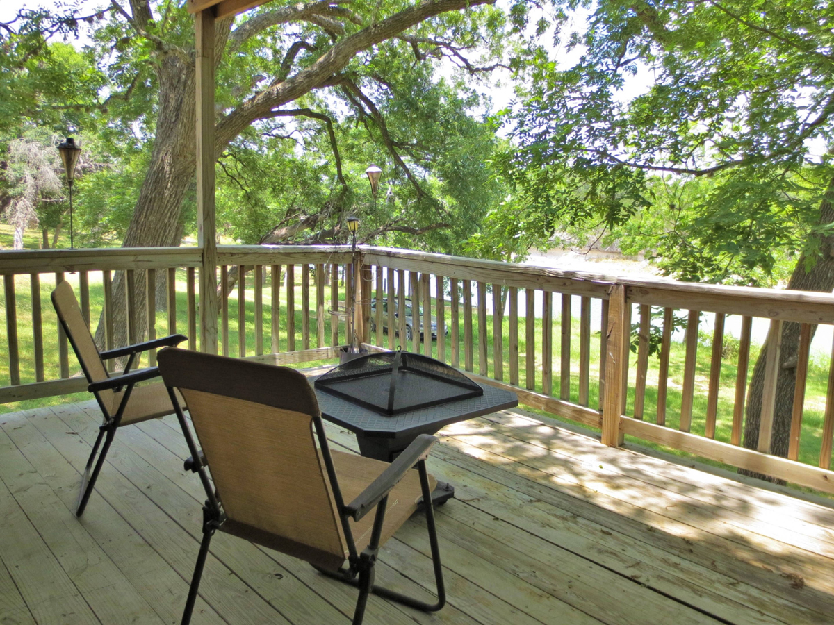 Medina Riverfront Cabin / W0040 Listed for sale with Gail Stone Realty, Bandera, Texas.