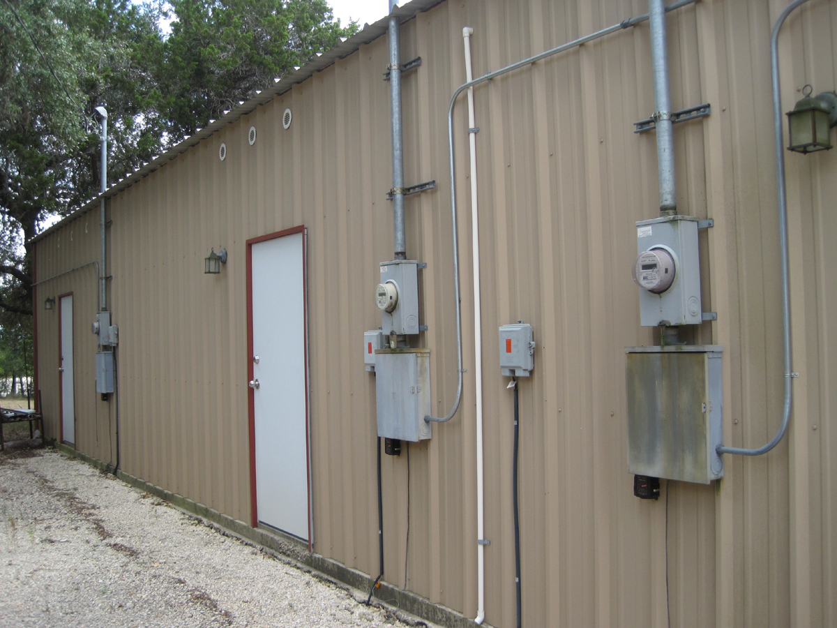 Pipe Creek Plaza - Outside picture of seperate electric meters